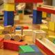 Sollten Sie beim Spielen Plastik oder Holz verwenden?